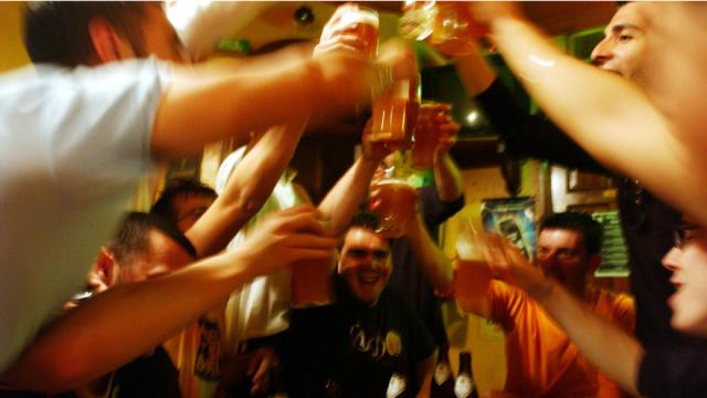 http://www.gymbeginner.hk/wp-content/uploads/2014/10/binge-drinking-study-e1413881126438.png