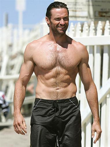 Jack Hughman的胸型較㘣。