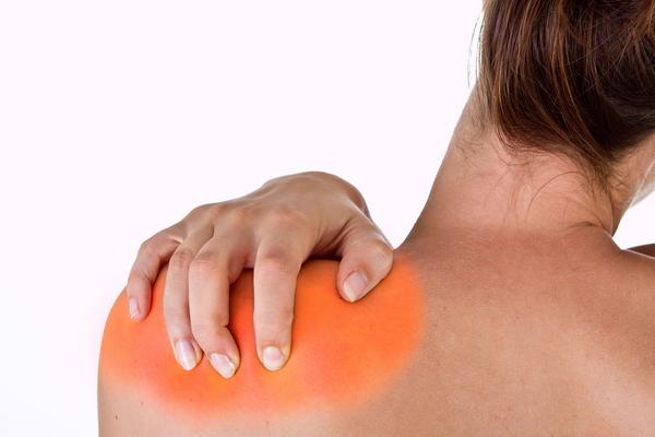 shoulder-pain-woman