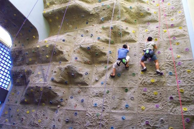 公共室內攀石場