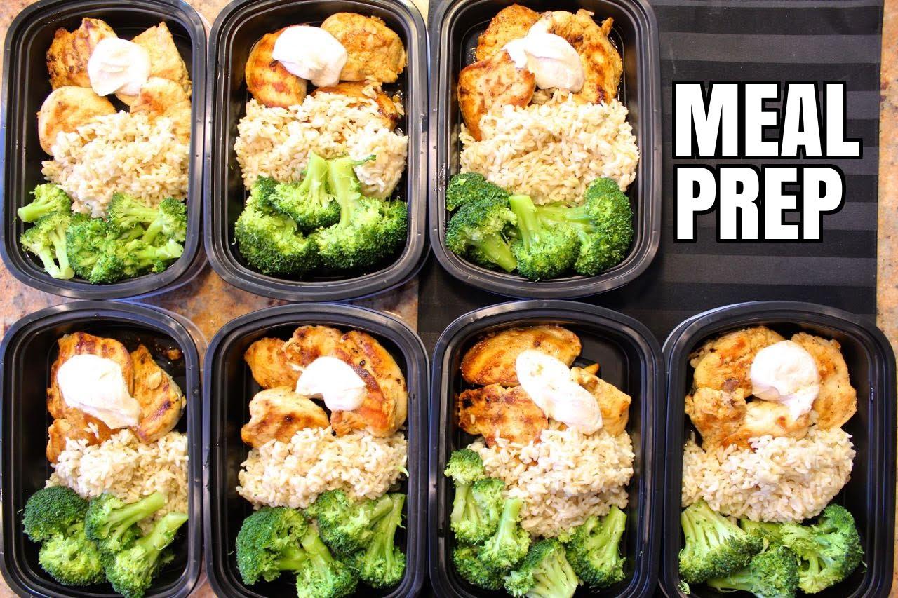 簡單一點的話,肉類、粉麵飯、蔬菜各佔飯盒的1/3。